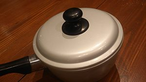 蒸し煮用鍋